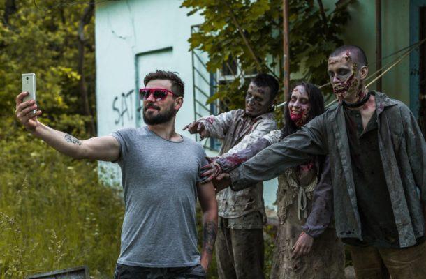 """Résultat de recherche d'images pour """"zombie attack"""""""